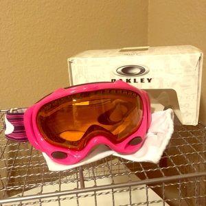 Women's Oakley Snowmobile/Ski Goggles